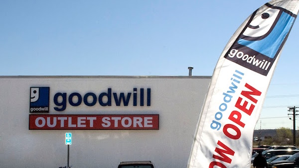 Goodwill Outlet tienda CT