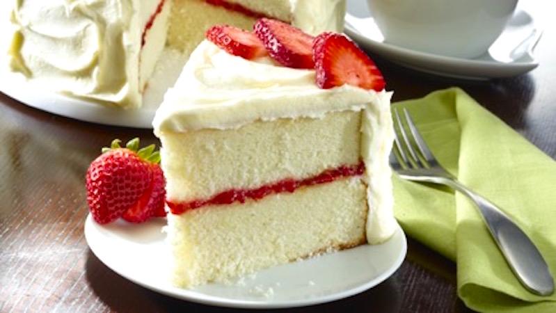 pastel blanco con relleno de fresa receta